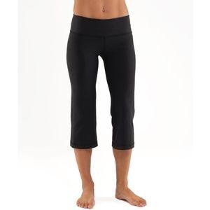 Lululemon Groove Crop Yoga Leggings Black size 4